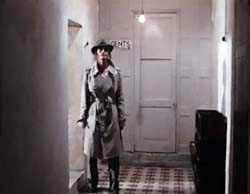 Margot Kidder in Trenchcoat